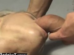 Porno de gays emos In a freaky dream Ashton Cody is trussed up and