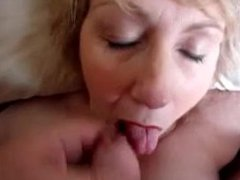 Chubby granny gives amazing head and deserves cum