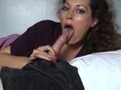 milf from SEXDATEMILF.COM suck a cock