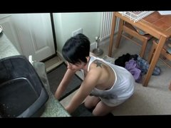 Kim freaks out at a washing machine
