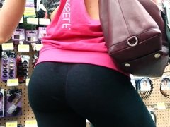 Candid booty white girl