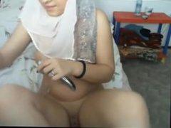 Arab masturbating on cam