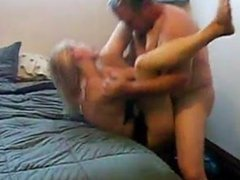 amateur wife and a guy from craigslist doing the nasty - CamsBros.com