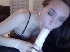 Linsey LIVE on 1fuckdate.com - Cam girl deepthroat dildo