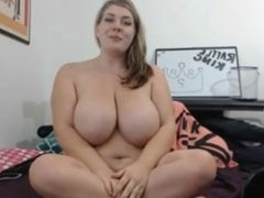 Big sexy girl gets off. Tandy LIVE on 1fuckdate.com