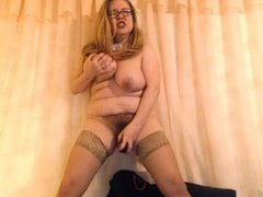 Mature Webcam Standing Orgasm