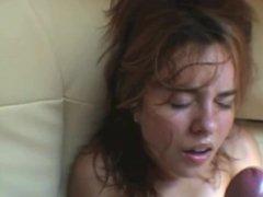 Amateur- Elle jouit avec une faciale HD