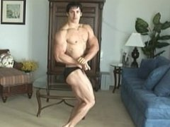 Solo Male Muscle Workout Show In The Gym