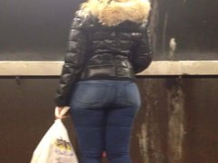 Candid Wide Booty in Train Station 2