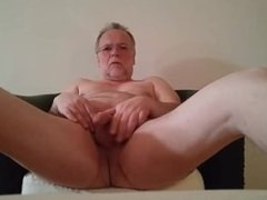 Masturbating and cuming in the middle of the afternoon