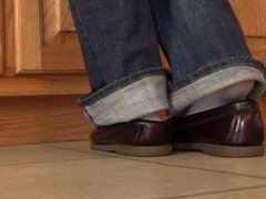 Caroline shoeplay Sperry while doing dishes PREVIEW