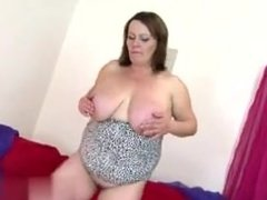 Meet me from MILF-MEET.COM - Sexy mature mom with big