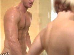 Hot ass blondie pleases client in bath