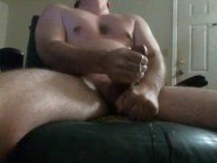 Str8 Guy Jerking Off to Porn