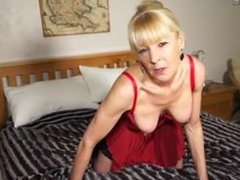Naughty British mature lady From SEXDATEMILF.COM playing with her dildo