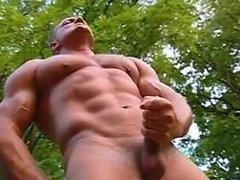 Outdoor   -  nial