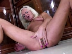 Old but still very hot granny From SEXDATEMILF.COM wants to fuck