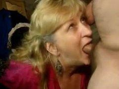 mature wife From SEXDATEMILF.COM deep blowjob