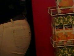 Culo en supermercado y carita ass and face in supermarket