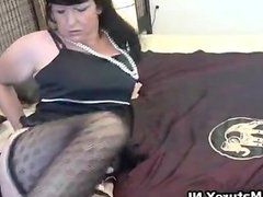 TThick mature lady in sexy lingerie loves - X