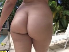 Twerking makes big ass girl Chase horny