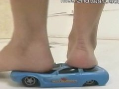 Giantess Diana crushes lots of cars with her bare feet,total destruction