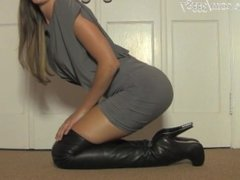 Hot Babe In Tigh High Leather Boots talks dirty