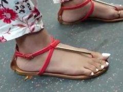 candid latina toe wiggle flip flop
