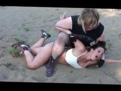 Fat girl destroys Mutiny