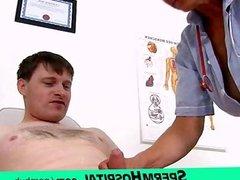 Wicked grandma doctor Linda tugjob at clinic
