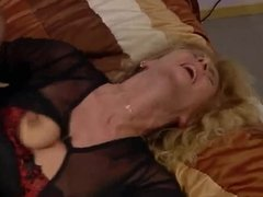 Manuela Minelli Herbergsmutter will es hart in den Arsch