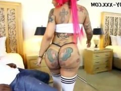 Bunz4Ever and The Body XXX 2 Big Booty black girls Twerkin On That Dick