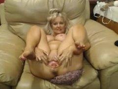 Busty on hotcammodelss.com Slut with Big Pussy Teasing