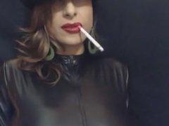 Lipstick 120s Dangling