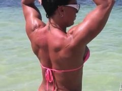 Bella Muscle Girl in Cancun Video