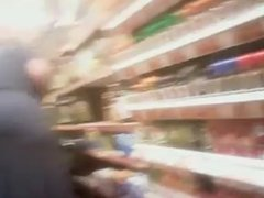 Abuela nalgona de compras