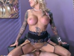 Brazzers - Tatooed milf Britney Shannon takes charge