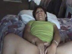 De nuevo masturbandose