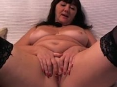 Mature Diana from INSTASEXCAM.COM fingers herself