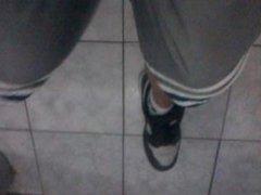 Eu batendo pupunha no Nike do vizinho com meias brancas