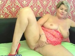 Gilf freecam Experienced sinner slowly caresses her lonely genitals lying