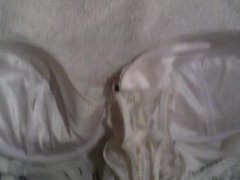 Wanking over wifes white body