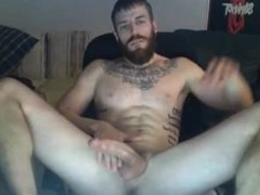 bearded fit man on webcam,cumshot