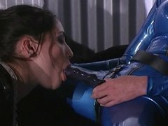 Latex lesbian mistress gets her cunt eaten