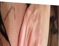 AMATEUR HANDS FREE CIM RUB ON PUSSY