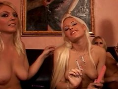 Group of hot lesbos fuck in living room