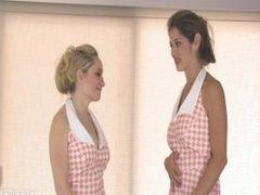 2 Women Fart (Xentria)