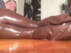 my pussy in heat in my new brown latex pants