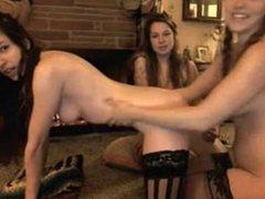 Lesbian Webcam Threesome: madisoncamgirls.blogspot.com/