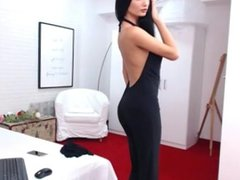 Raven Haired Beauty Shows Off On Cam